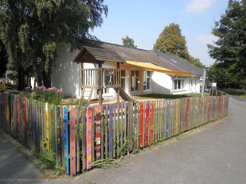 little bird portal day care center st dt kindertageseinrichtung pusteblume 53773. Black Bedroom Furniture Sets. Home Design Ideas